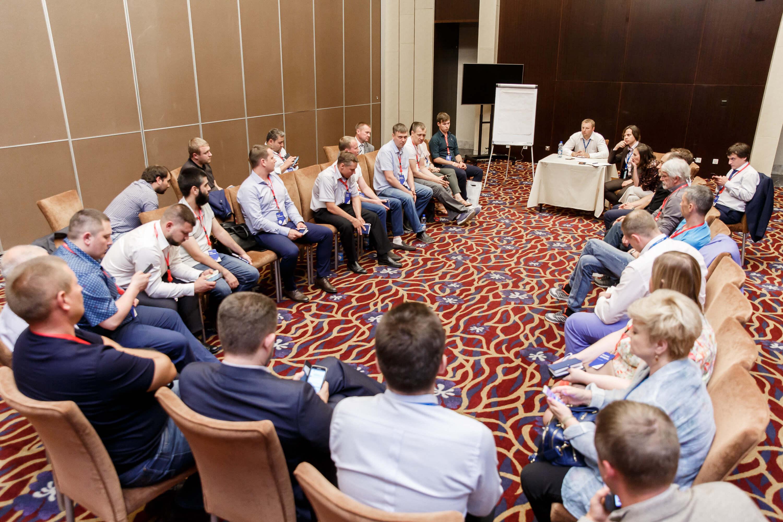 En vísperas de la conferencia: sesiones de formación, citas rápidas y misión
