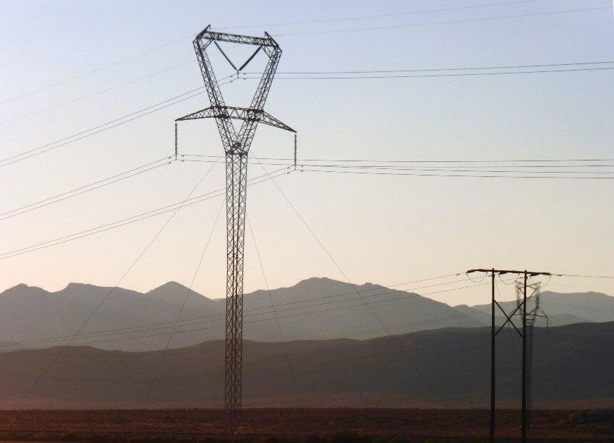 Suministrar la electricidad a las áreas remotas