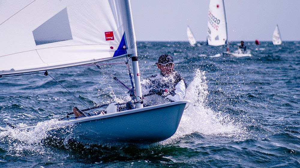 Tracking the yacht racing competitions